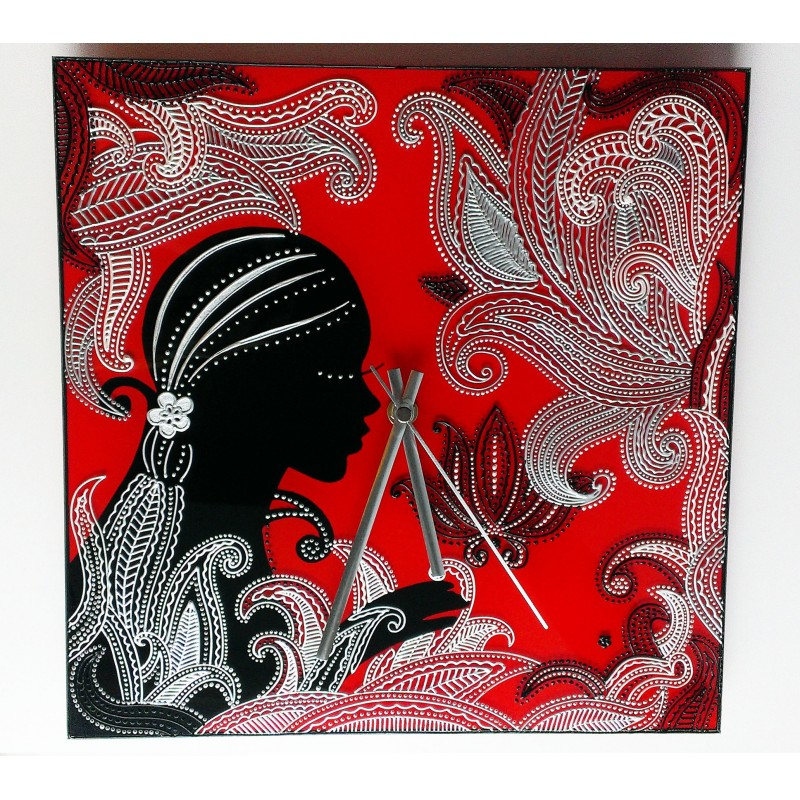 Часы настенные «Девушка в кружевах»